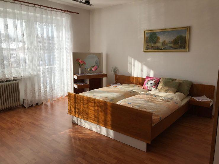 rodinný dom pod Malými Karpatmi s veľkým pozemkom 1444 m² – Dechtice