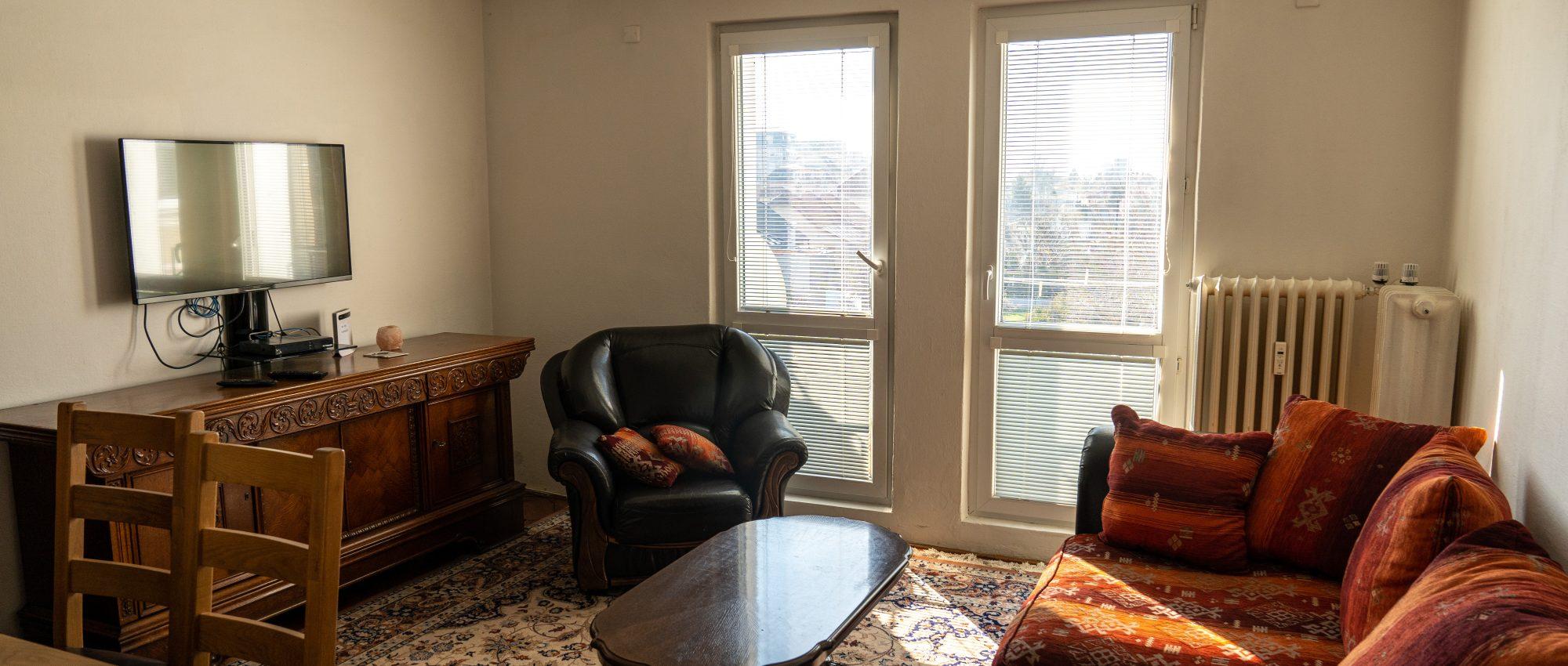 REZERVOVANÉ – 3 izbový byt v širšom centre mesta s parkovacím státím
