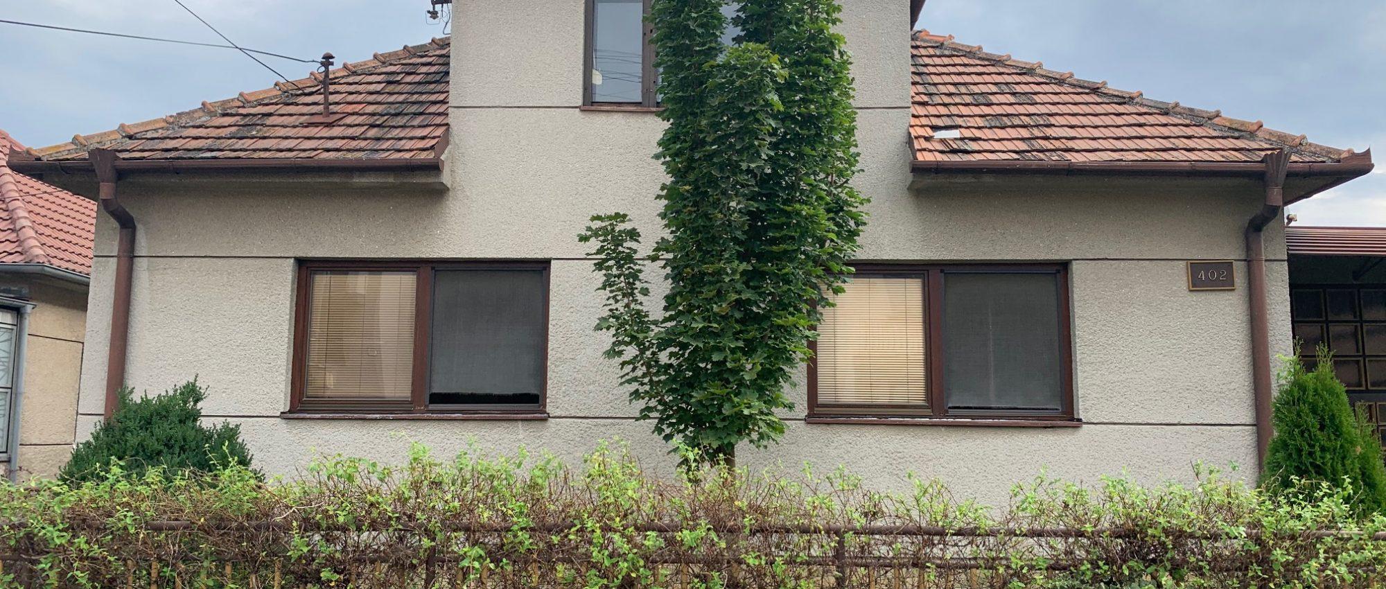 starší rodinný dom s pozemkom o výmere 850m2, Dechtice