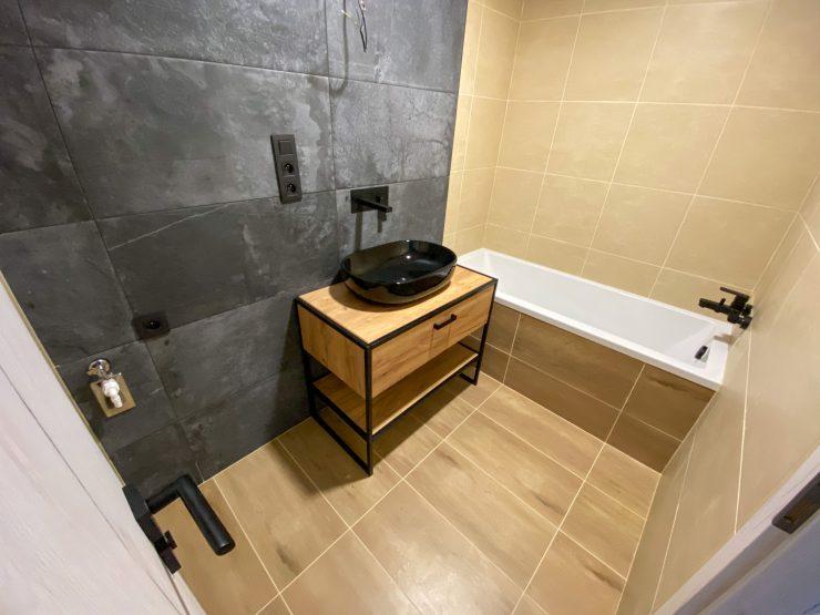 moderne zrekonštruovaný 2 izbový byt, Špačinská ul.